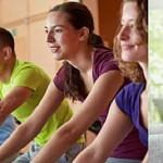 Im Fitnessstudio oder doch lieber zuhause trainieren? -Fitnessstudio vs. Heimtraining-