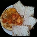 Frühstück!? -> Spiegeleier mit Knäckebrot und Frischkäse!
