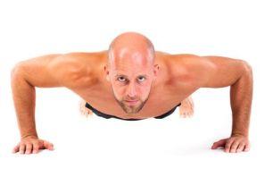 Brusttraining ohne Geraete © fotogestoeber - Fotolia.com