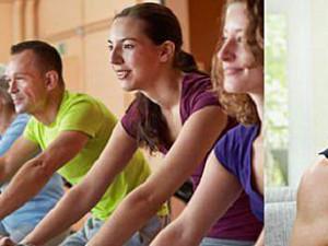 Training zuhause oder im Studio © Robert Kneschke © nyul - Fotolia.com